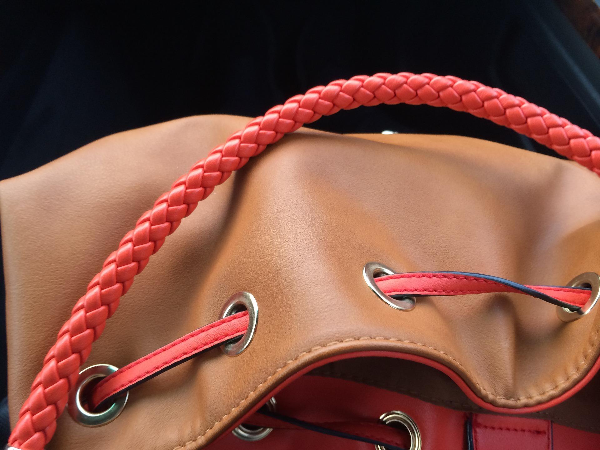 Cómo-extender-la-vida-útil-de-tus-bolsos