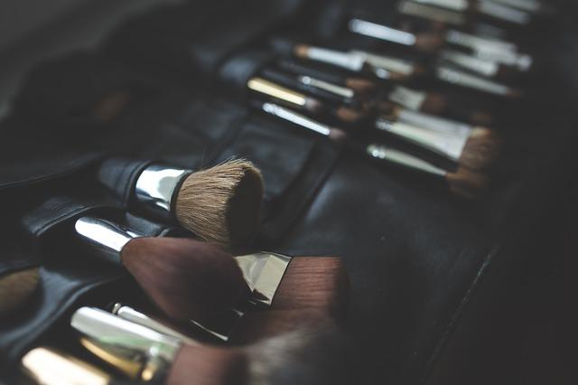 como-empacar-tu-maquillaje (2)
