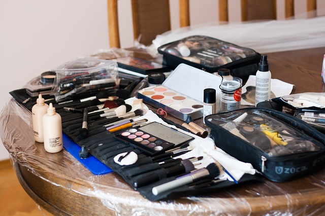 como-empacar-tu-maquillaje