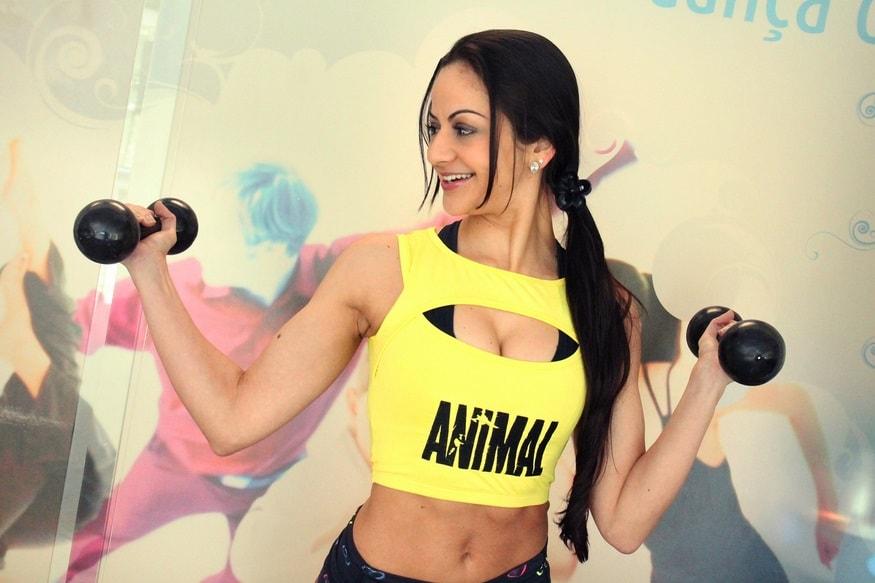 entrenamiento-con-pesas-en-mujeres