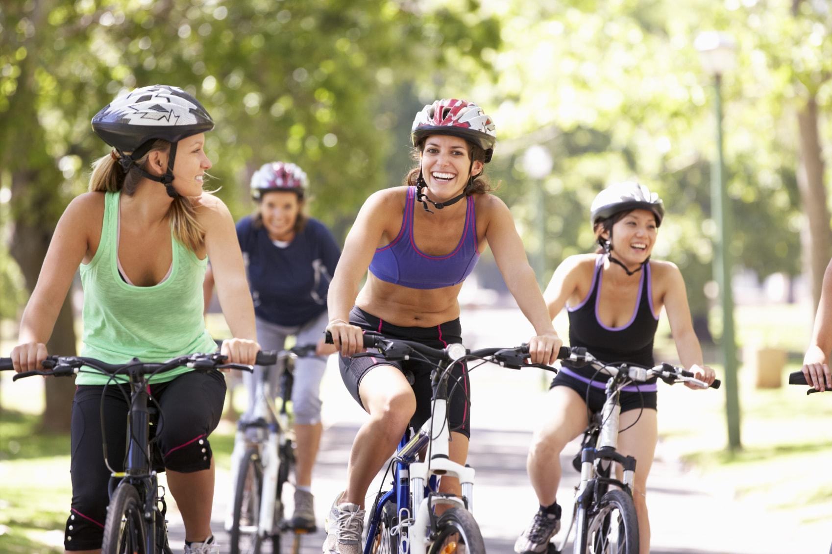 ciclistas-en-grupo