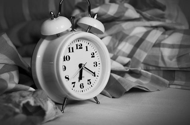 6-cosas-que-no-debes-hacer-antes-de-dormir (2)