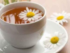 arrugas, ojos, té de manzanilla