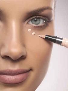 trucos maquillaje, corrector, ojeras