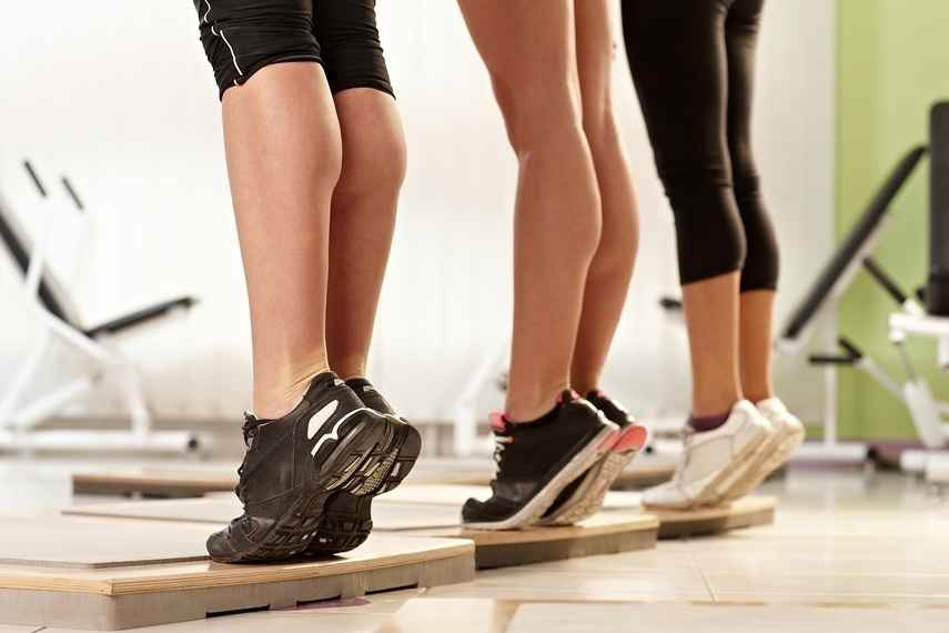 pantorrillas, ejercicios de tonificación, escaleras