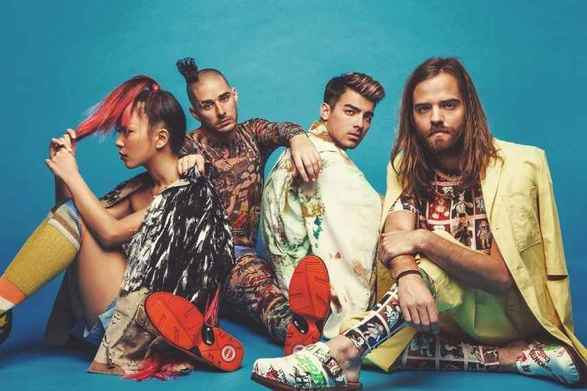 AMAS 2016, DNCE, American Music Awards