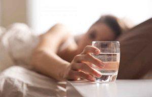 despertarse temprano, tomar agua