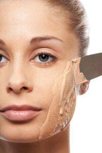 errores de maquillaje, exceso de base, base