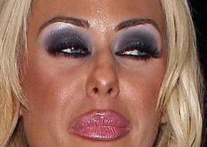 errores de maquillaje, lápiz para labios