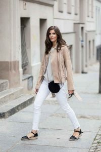 color camel, chaqueta de cuero