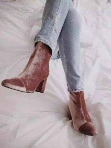 tendencias de zapatos, botas de terciopelo