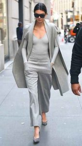 outfits gris, Kendall Jenner