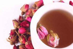agua de rosas, té de rosas