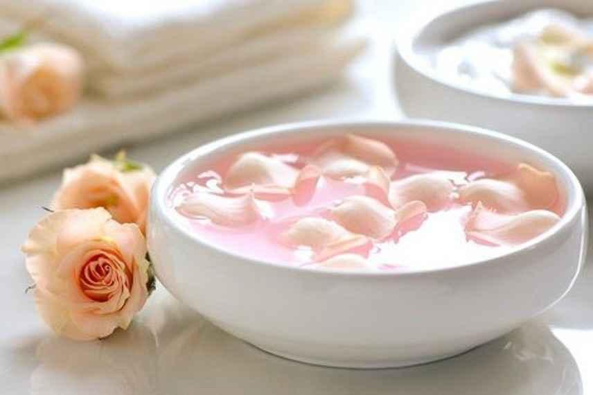 agua de rosas, beneficios agua de rosas