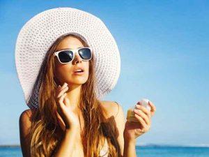 bolsa de maquillaje, bloqueador solar